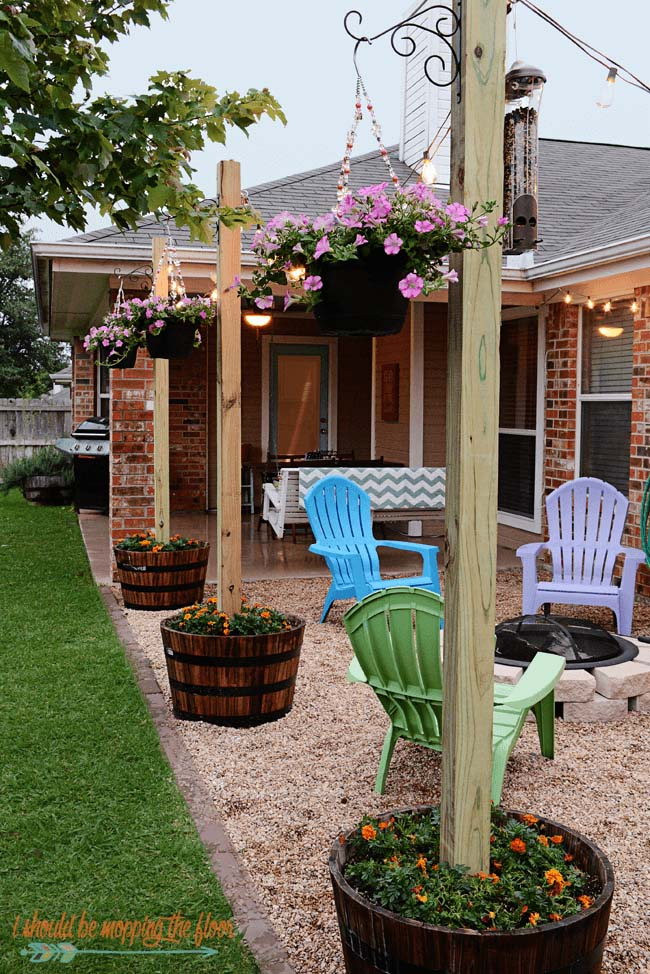 "Picturesque Outdoor Planter ""Lamp Posts"" #diy #project #backyard #garden #decorhomeideas"