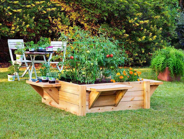 Raised Bed with Built-In Benches #raisedbed #garden #diy #cheap #decorhomeideas