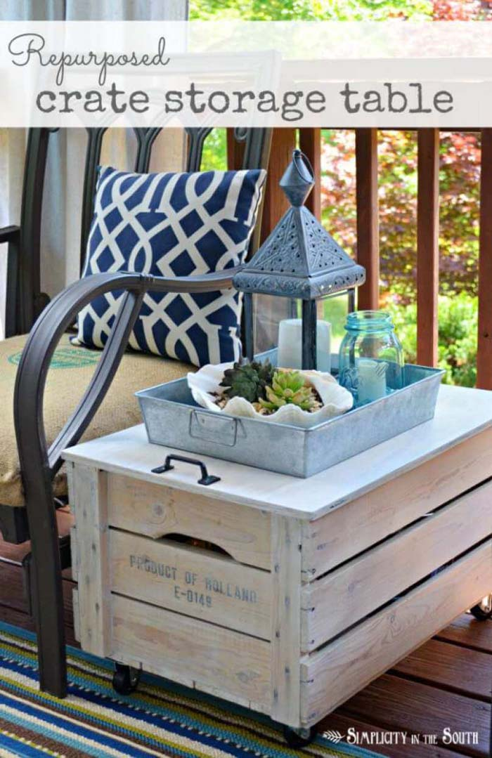 Rolling Upcycled Wood Crate Accent Table #diy #porch #patio #projects #colorful #decorhomeideas