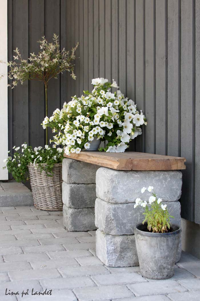 Sardinian Stone & Wooden Slab Bench #diy #project #backyard #garden #decorhomeideas