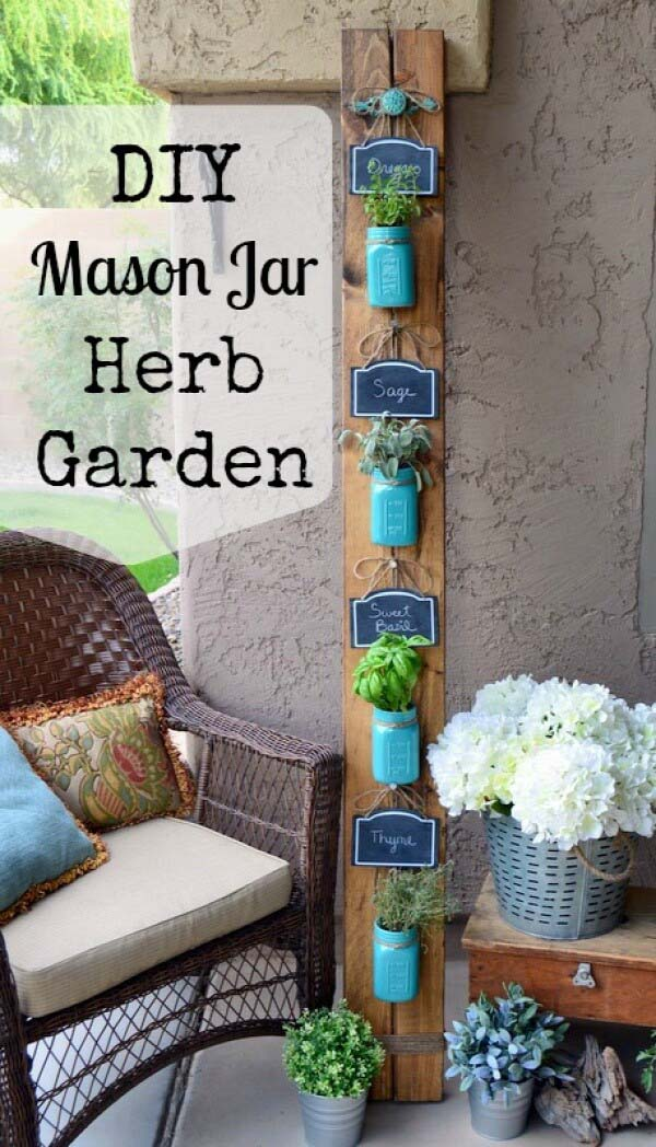 Shabby Chic Painted Mason Jar Herb Garden #diy #herbgarden #herbs #garden #ideas #decorhomeideas