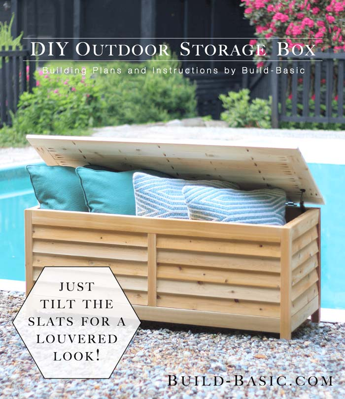 Stripped Down Steamer Style Outdoor Trunk #diy #project #backyard #garden #decorhomeideas