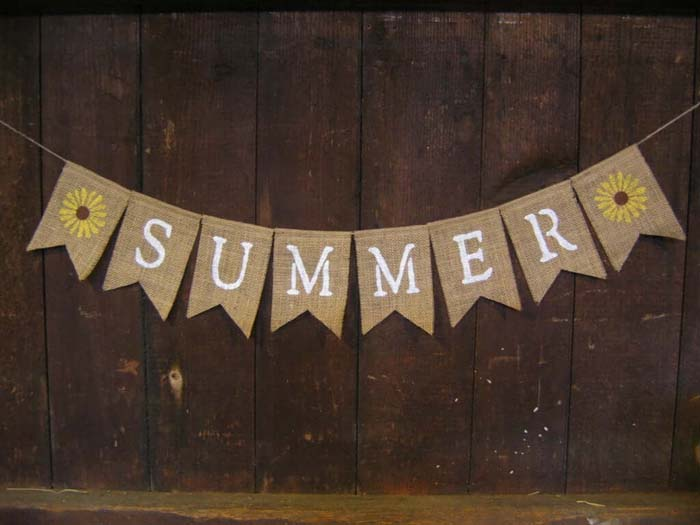 Summer Burlap Banner with Sunflowers #diy #rustic #summer #decorations #decorhomeideas