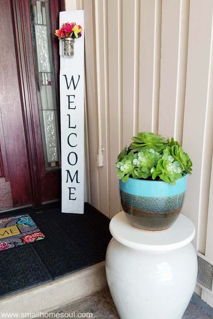 Vertical Posy Accented Porch Welcome Sign #diy #porch #patio #projects #colorful #decorhomeideas