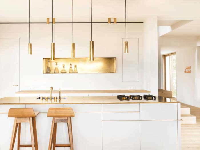 Gold And White Eclectic Metal Kitchen #kitchen #cabinets #metal #steel #decorhomeideas