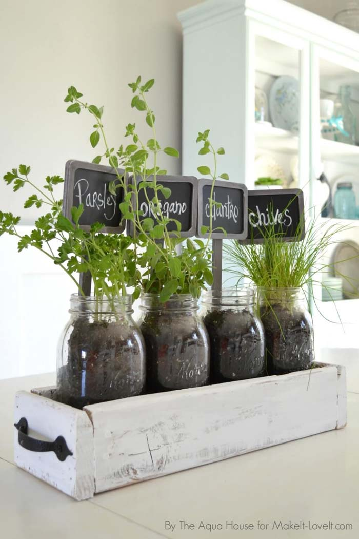 Window Box and Mason Jar Herb Garden #diy #herbgarden #herbs #garden #ideas #decorhomeideas