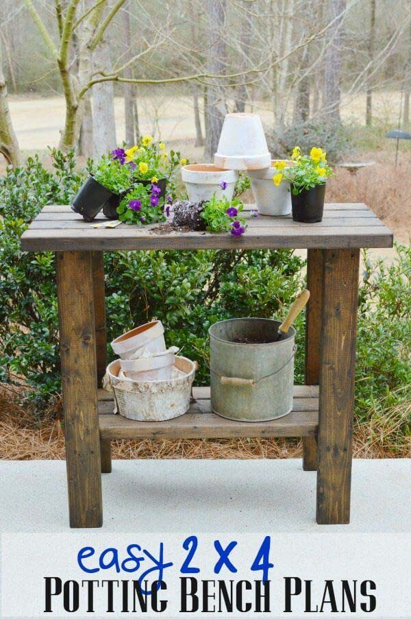 A Potting Bench Made Entirely of 2x4s #diy #potting #bench #garden #decorhomeideas