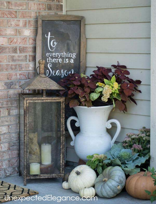 Add a Cozy Corner Vignette #veranda #decor #rustic #decorhomeideas