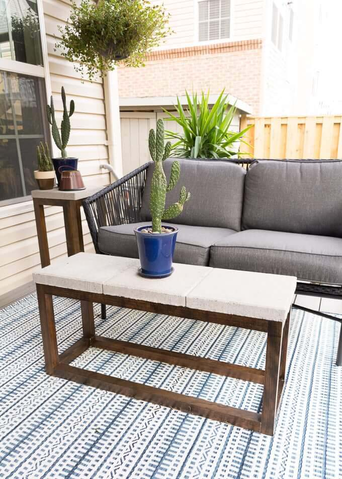 All-Weather Concrete and Wood Patio Table #diy #furniture #patio #decorhomeideas