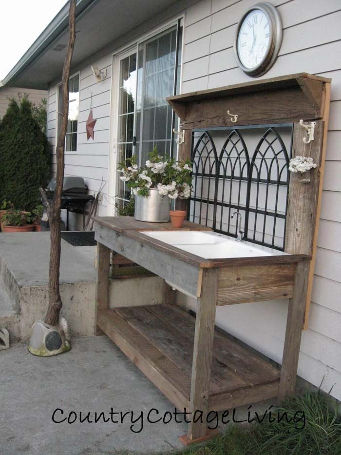 Architectural Salvage Potting Bench Idea #diy #potting #bench #garden #decorhomeideas
