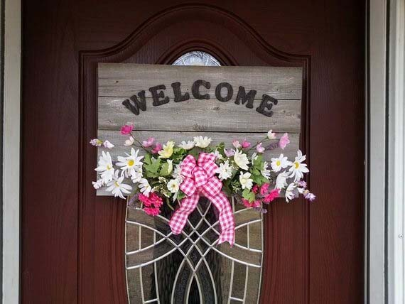 Assorted Flowers with Wooden Welcome Letters #farmhouse #summer #decor #decorhomeideas