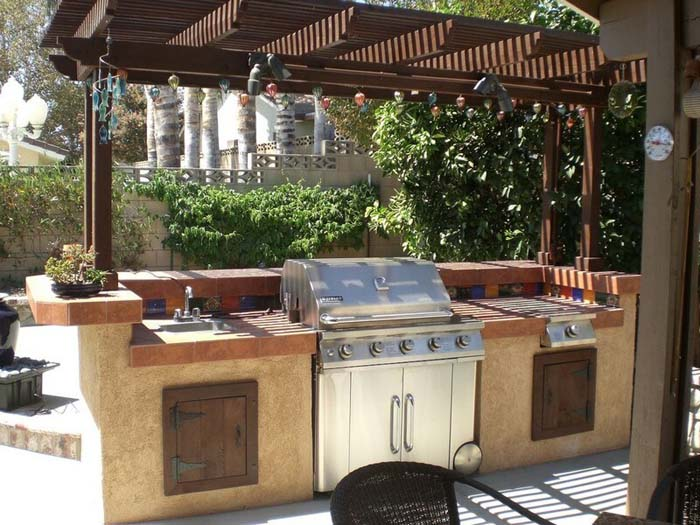 Backyard Kitchen with Barbecue Grill #outdoorkitchen #garden #ktichen #decorhomeideas