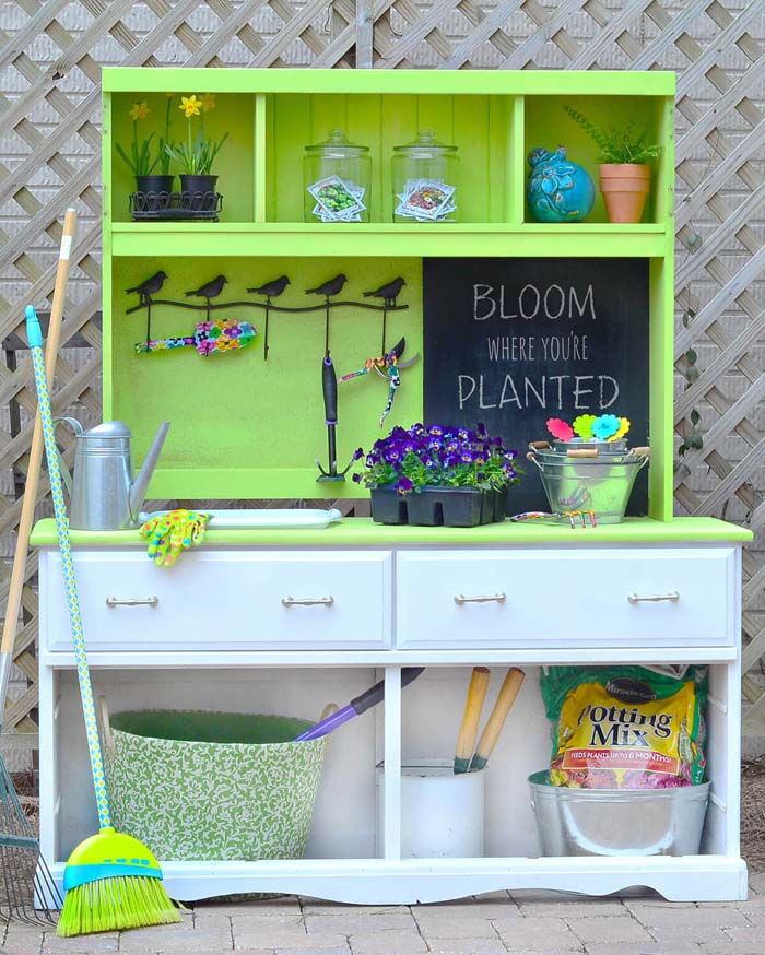 Bloom Where You're Planted with Lime #diy #potting #bench #garden #decorhomeideas