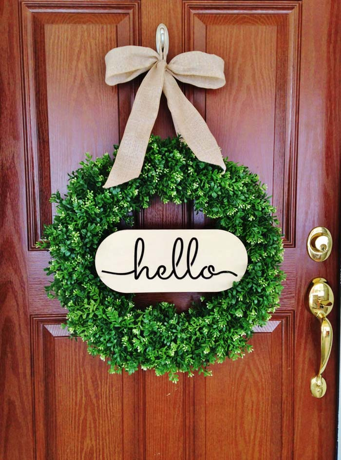 Boxwood Greenery Wreath with Welcome Sign #diy #porch #sign #decorhomeideas