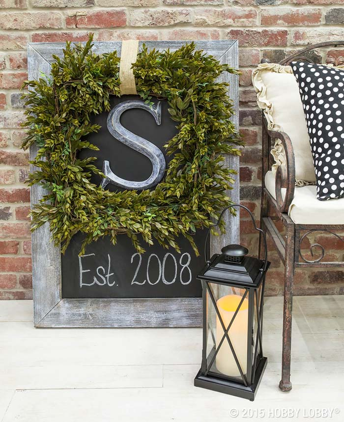 Boxwood Wreath With Monogram #diy #porch #sign #decorhomeideas