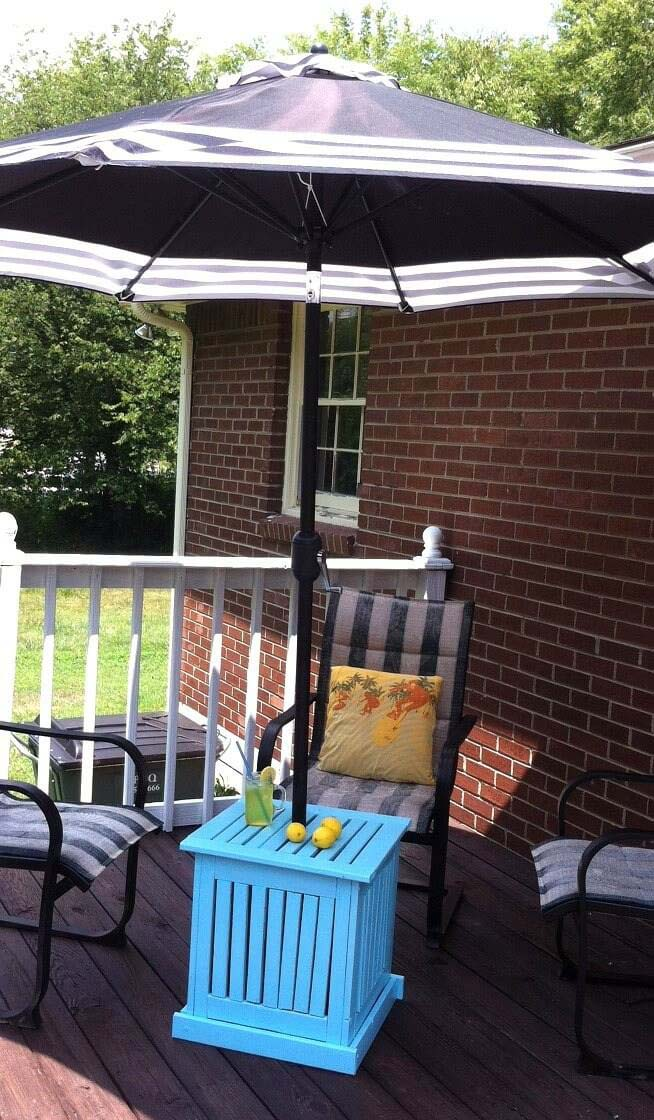 Bright and Sturdy Crate Umbrella Stand #diy #furniture #patio #decorhomeideas
