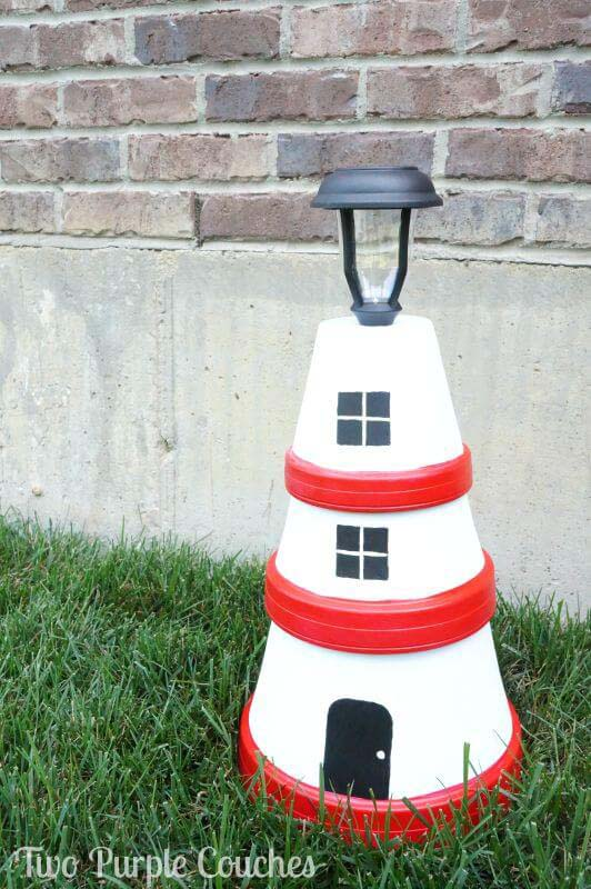 Clay Pot Lighthouse Garden Light #diy #solar #lights #solarlight #garden #decorhomeideas