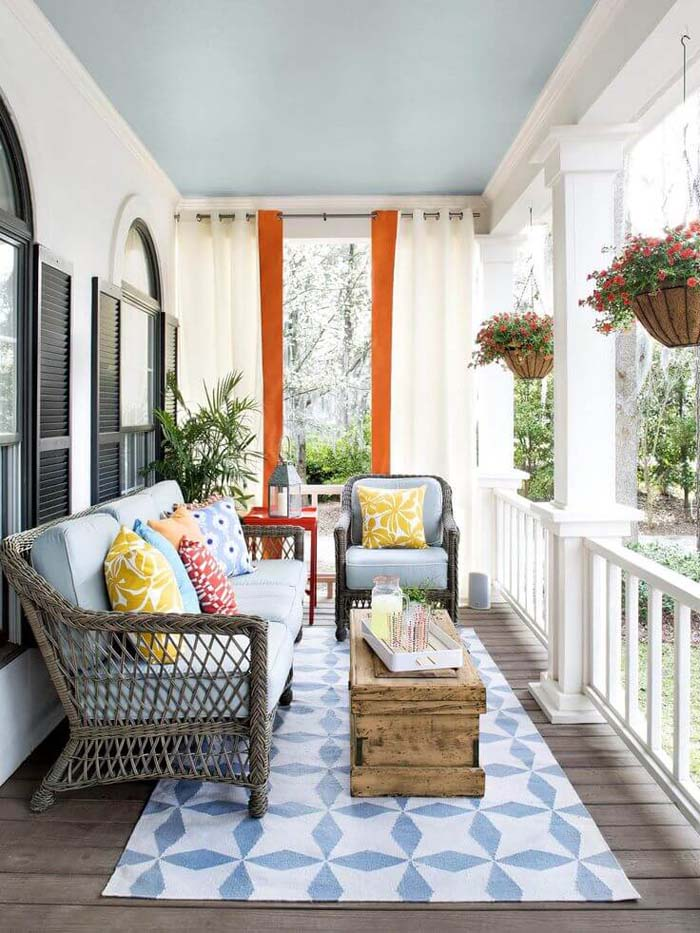 Contemporary Gray Wicker Furniture with Colorful Cushions #porch #summer #decor #decorhomeideas