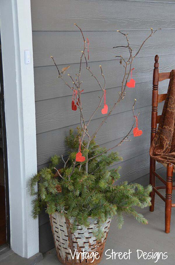 Decorate Twigs and Branches with Little Hearts #veranda #decor #rustic #decorhomeideas