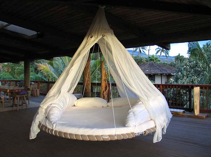 DIY Trampoline Hanging Bed #porch #swing #bed #decorhomeideas