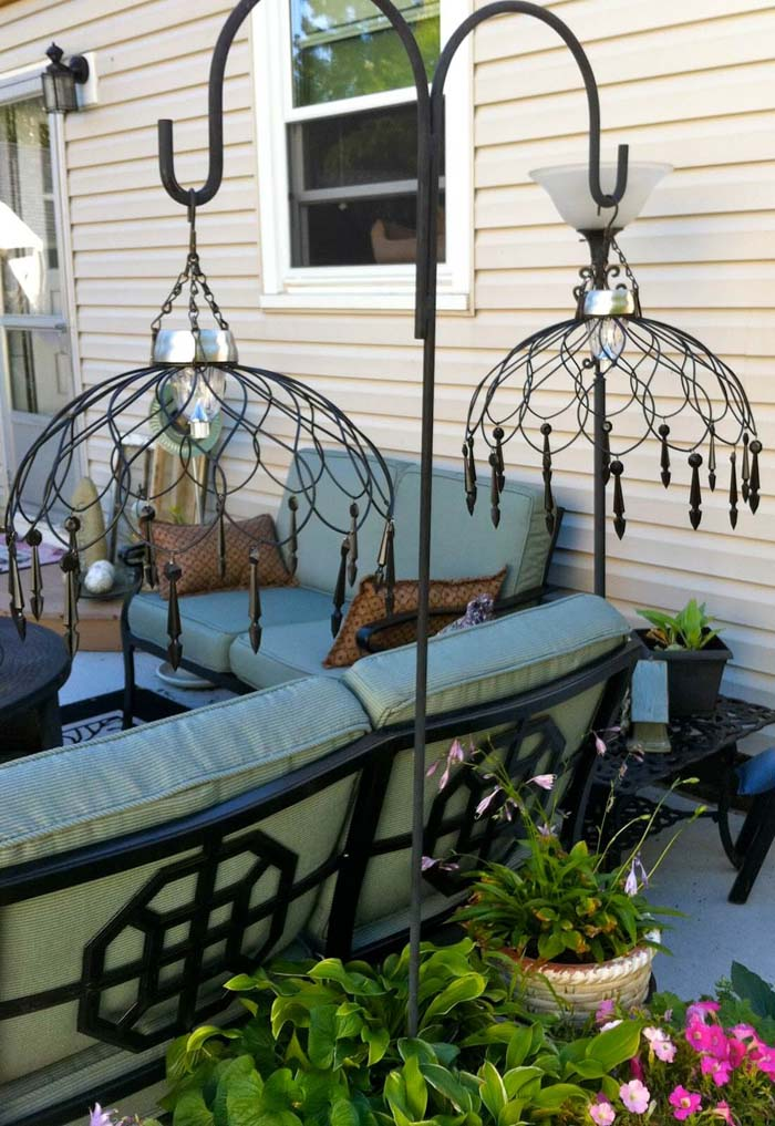 Elegant Wired Basket Solar Chandelier #diy #solar #lights #solarlight #garden #decorhomeideas
