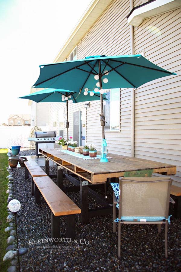 Expand Your Outdoor Dining Area with Pallets #diy #pallet #garden #decorhomeideas