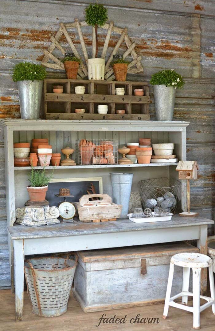 Floor to Ceiling Farmhouse Work Bench Décor #diy #potting #bench #garden #decorhomeideas