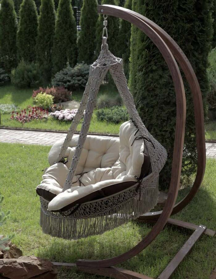 Free-Standing Wooden Swing with Stand #diy #backyard #projects #decorhomeideas