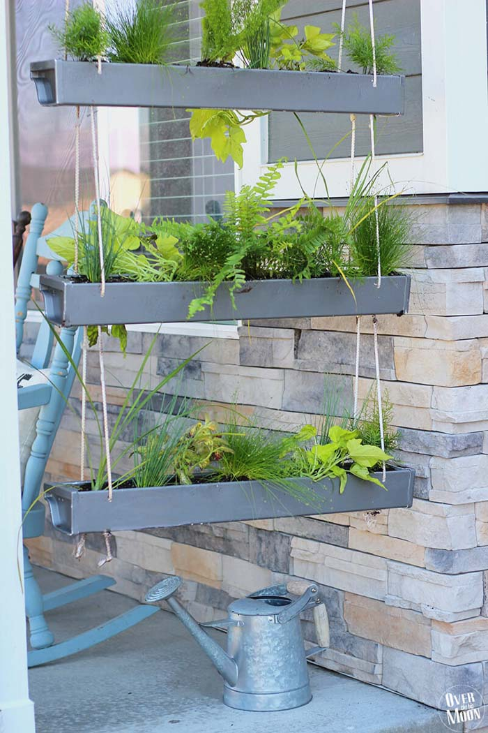 Hanging Planters to Freshen Things Up #veranda #decor #rustic #decorhomeideas