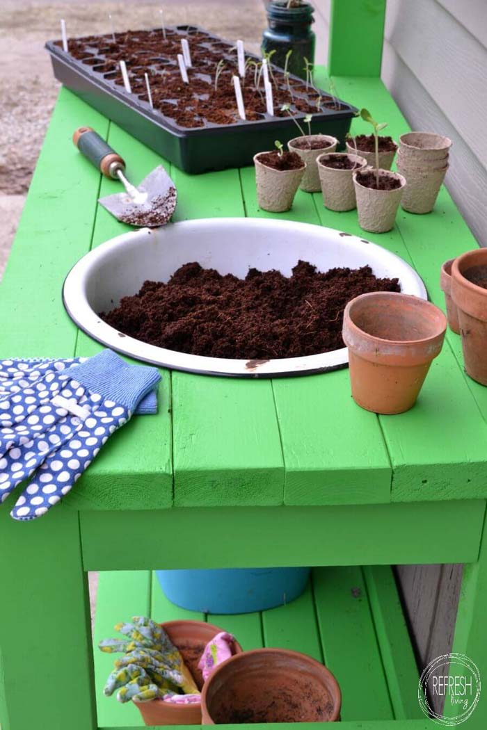 How to Pot Your Own Seedlings #diy #potting #bench #garden #decorhomeideas