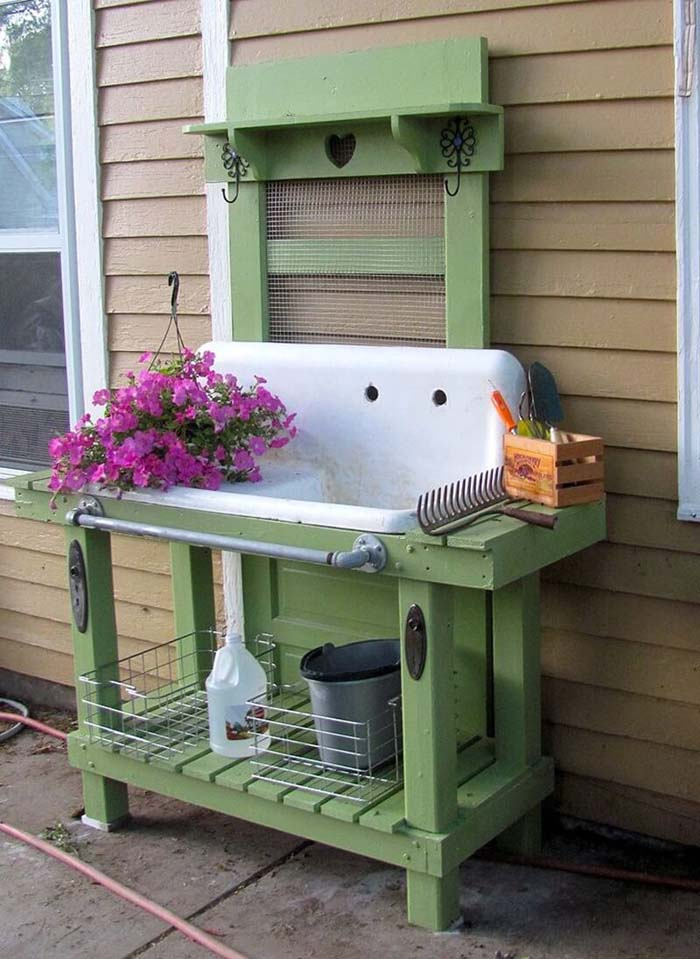 Ingenious Kitchen Sink Potting Concept #diy #potting #bench #garden #decorhomeideas