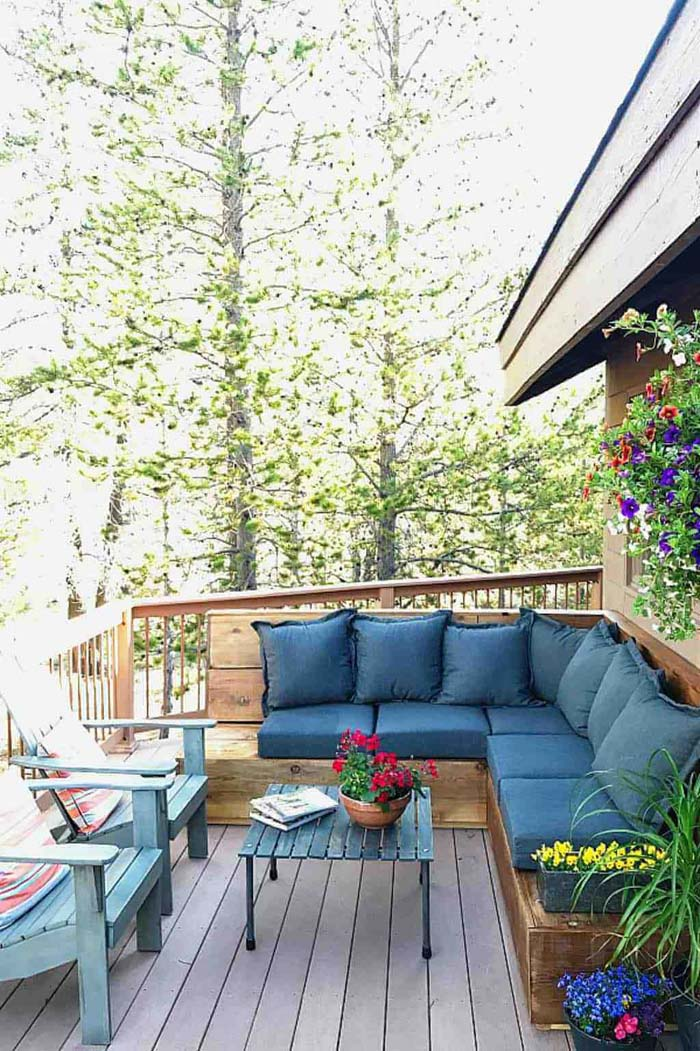 Large Sectional Perfect for Outdoor Hosting #diy #furniture #patio #decorhomeideas