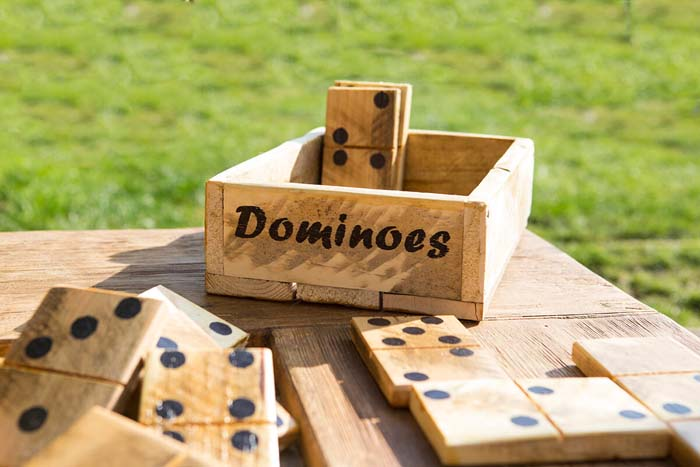 Large Wooden Dominoes Garden Game #diy #pallet #garden #decorhomeideas