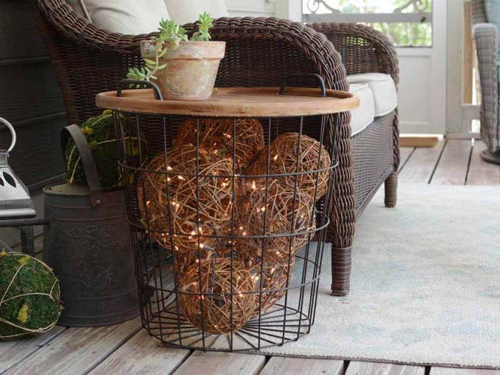 Lighted Grapevine Balls In A Side Table #porch #diy #lights #decorhomeideas