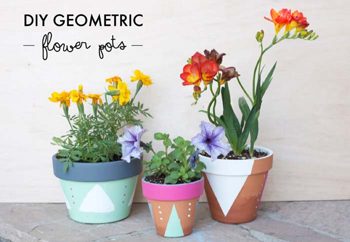 Mod Triangle and Dot Pots #diy #flowerpot #garden #flower #decorhomeideas