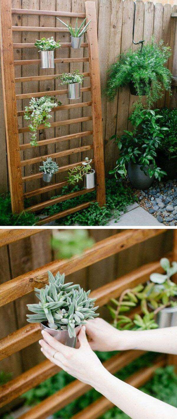 Modern Wooden Planting Wall with Metal Pots #diy #planter #flower #hanging #garden #decorhomeideas