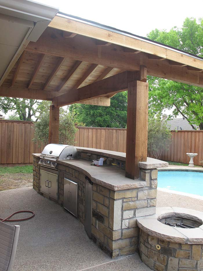 Natural Stone Bar with Grill and Fire Pit #outdoorkitchen #garden #ktichen #decorhomeideas