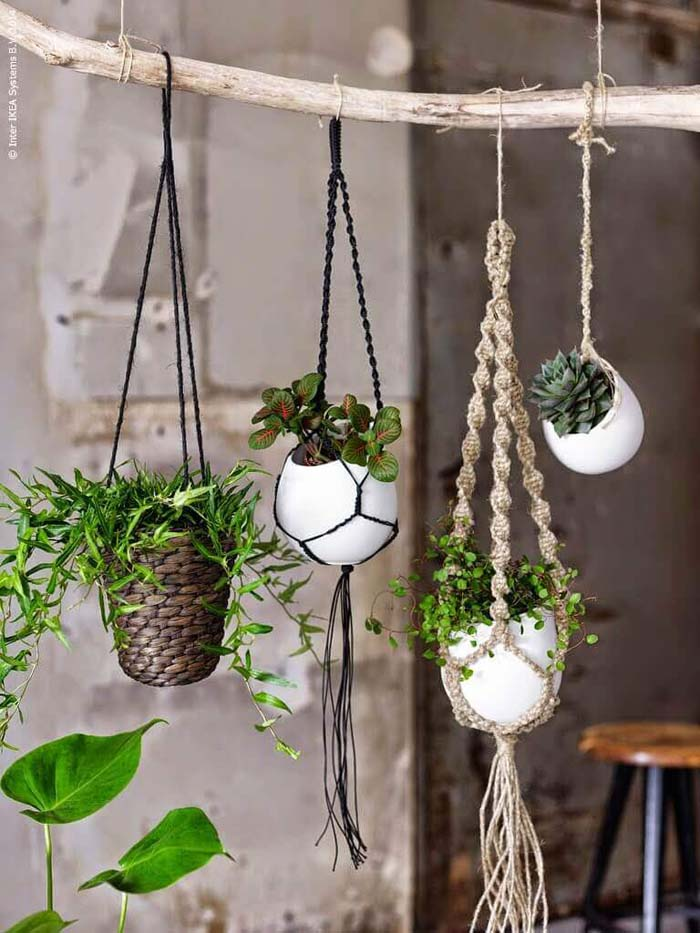 Outdoor Hanging Planter Ideas For Small Spaces #diy #planter #flower #hanging #garden #decorhomeideas