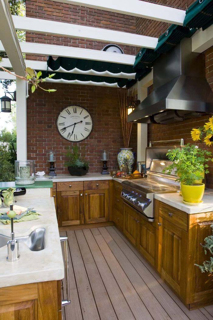 Outdoor Kitchen Design With Retractable Canopy #outdoorkitchen #garden #ktichen #decorhomeideas
