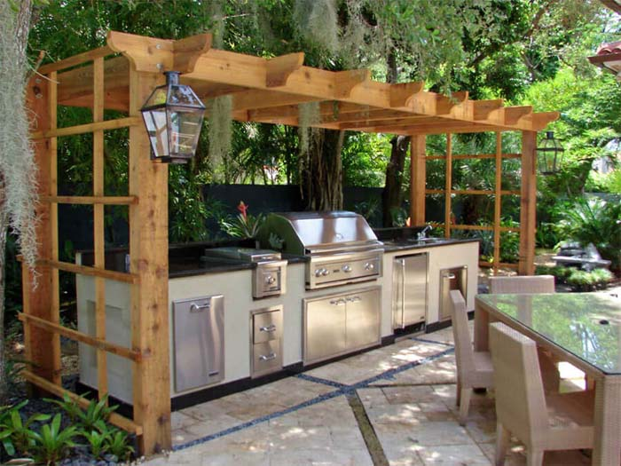 Outdoor Kitchen With Pergola #outdoorkitchen #garden #ktichen #decorhomeideas