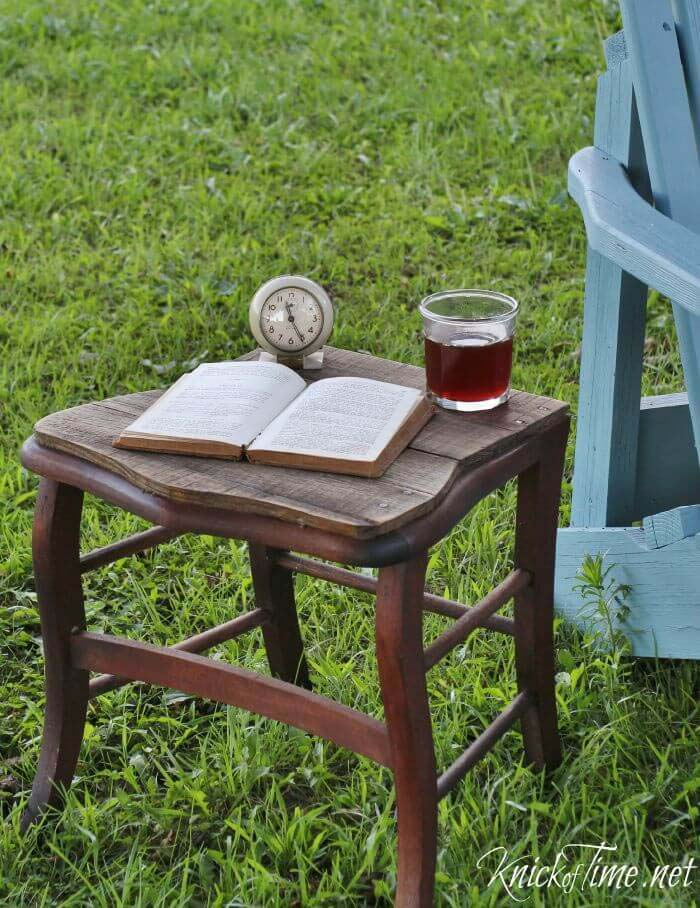 Outdoor Side Table #chair #diy #repurposed #decorhomeideas