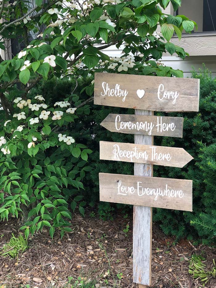 Personalize Your Home with a Rustic Pallet Sign #diy #pallet #garden #decorhomeideas