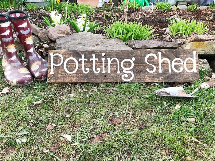 Personalized Outdoor Potting Shed Sign #diy #pallet #garden #decorhomeideas