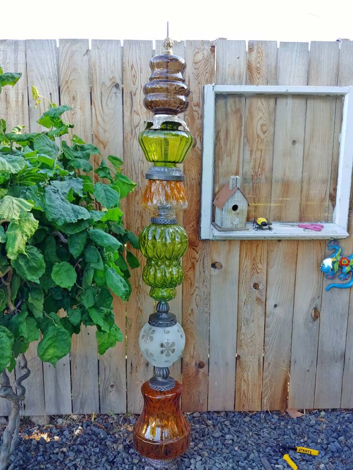 Quirky Lamp Garden Token #diy #garden #decor #countryside #decorhomeideas