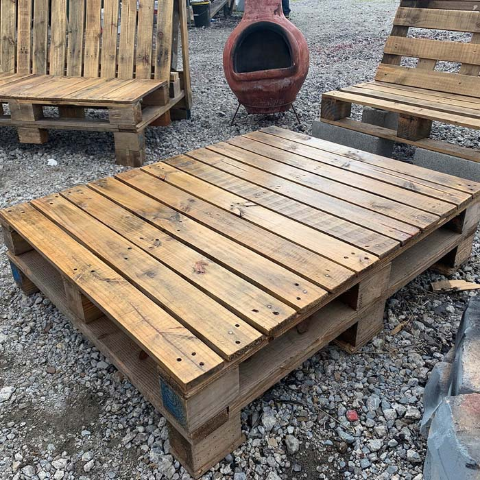 Refurbished Rustic Wooden Pallet Table #diy #pallet #garden #decorhomeideas