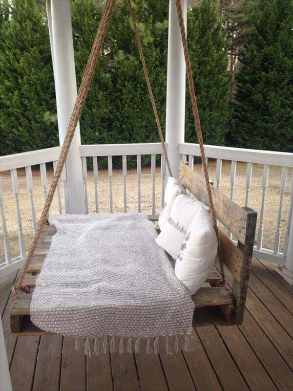 Repurposed Wooden Crate Swing #porch #swing #bed #decorhomeideas
