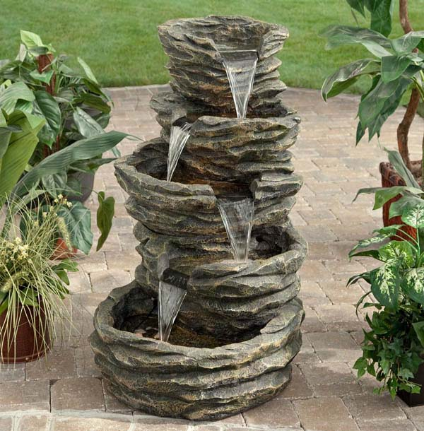 Rock Water Feature #diy #waterfeature #backyard #garden #decorhomeideas