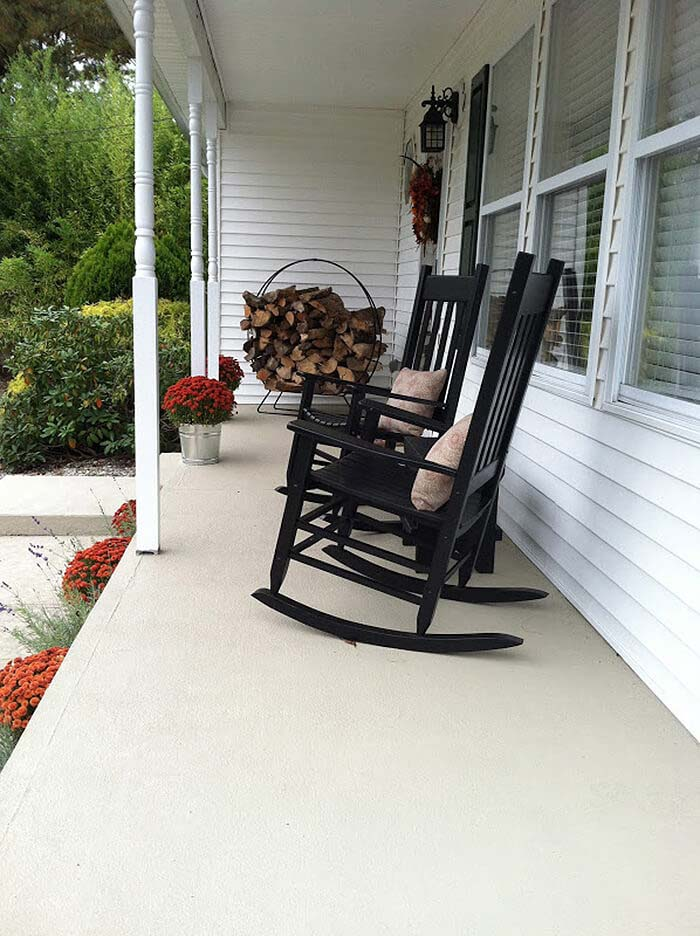 Rocking Chairs Don't Have to Look Dated #diy #porch #makeover #decorhomeideas