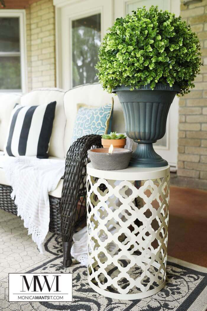 Side Table Boxwood Topiary Which Lights Up #porch #diy #lights #decorhomeideas