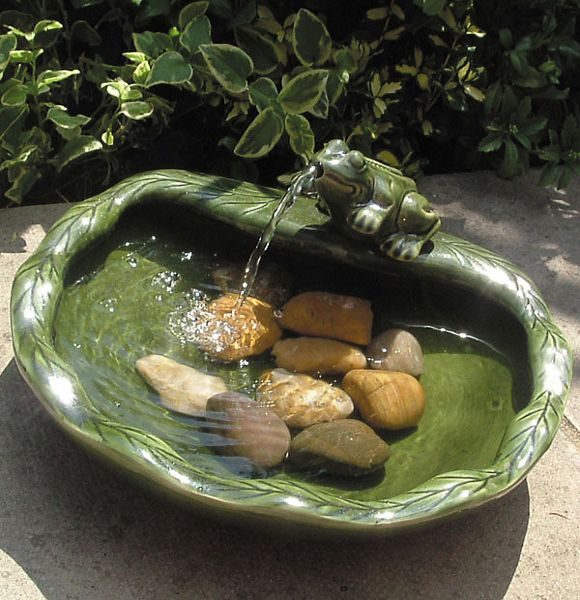 Solar Powered Fountain #diy #waterfeature #backyard #garden #decorhomeideas